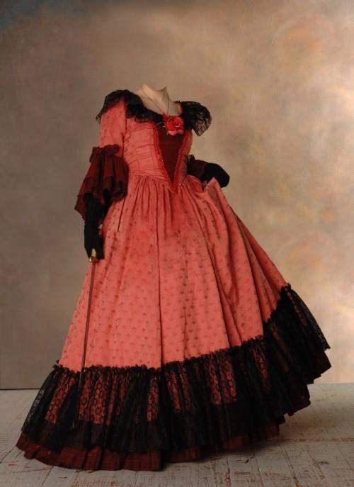 Фото старое платье